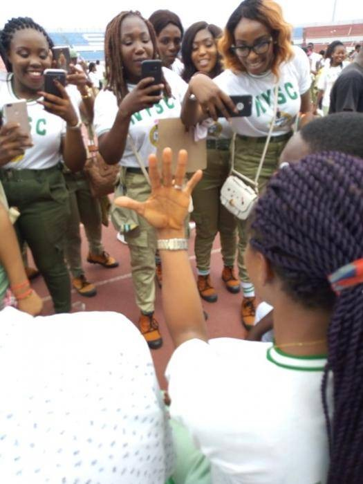 Man Proposes To His Fiancee During Her NYSC POP