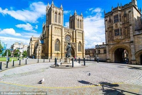 Engineering Scholarships for Overseas Students At University Of Bristol - UK 2018