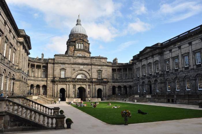 £21,200 Glenmore Medical Scholarships At University Of Edinburgh, UK 2018