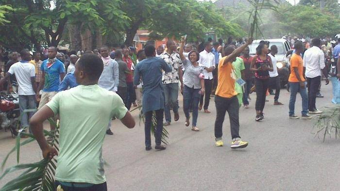 BSUM Students Protest School Fees Increase