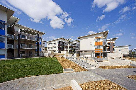 2020 International High Achiever Scholarship At University of Canberra - Australia