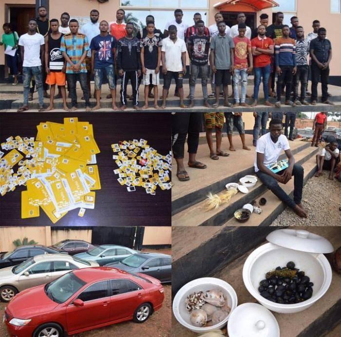 EFCC Raids OOU Hostel, Arrests Students, Recovers Millions