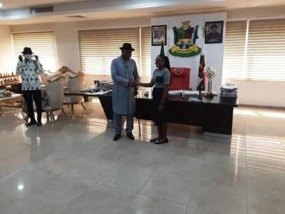 Bayelsa Governor rewards first class Law School Graduate