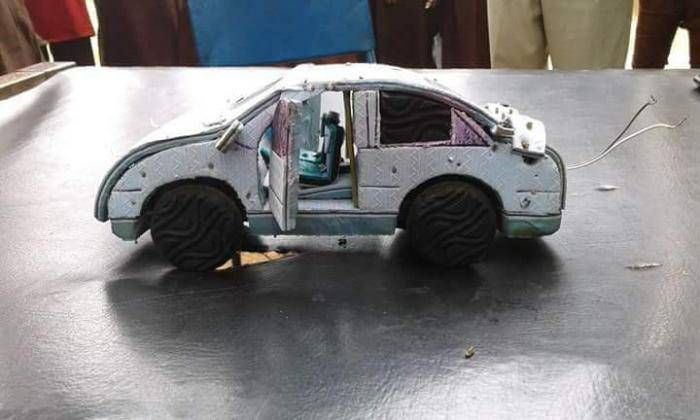 SS1 Student Constructs Moving Car