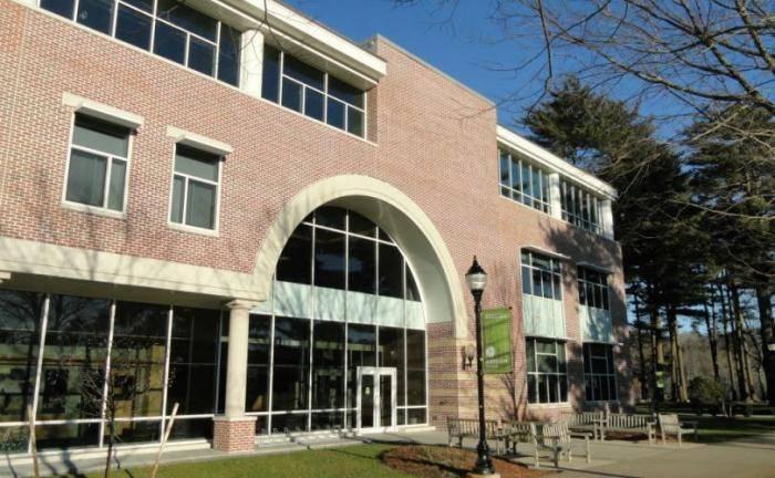 2020 Merit-Based Scholarships At Gordon College - USA