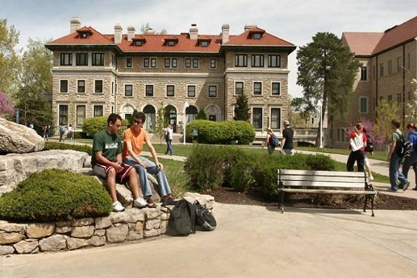Dean's International Scholar Awards 2021 at University of Missouri–Kansas City, USA