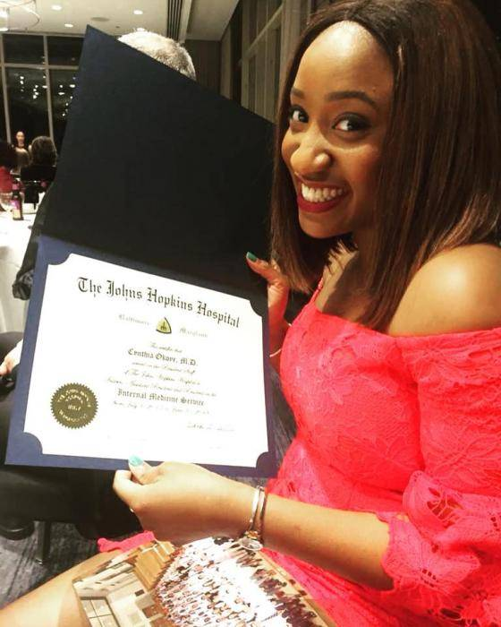 Lady Who Promised to Be a Doctor After Her Dad's Death, Finally Graduates as a Doctor
