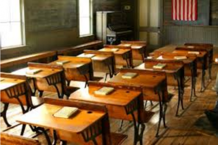 Kwara govt distributes 230 lockers, chairs to 54 schools