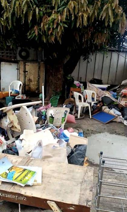 LASU College of Medicine throws out students' belongings from hostels