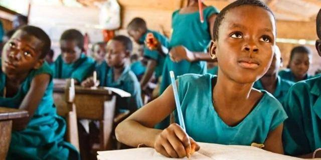Kwara State warns schools against collecting third term fees