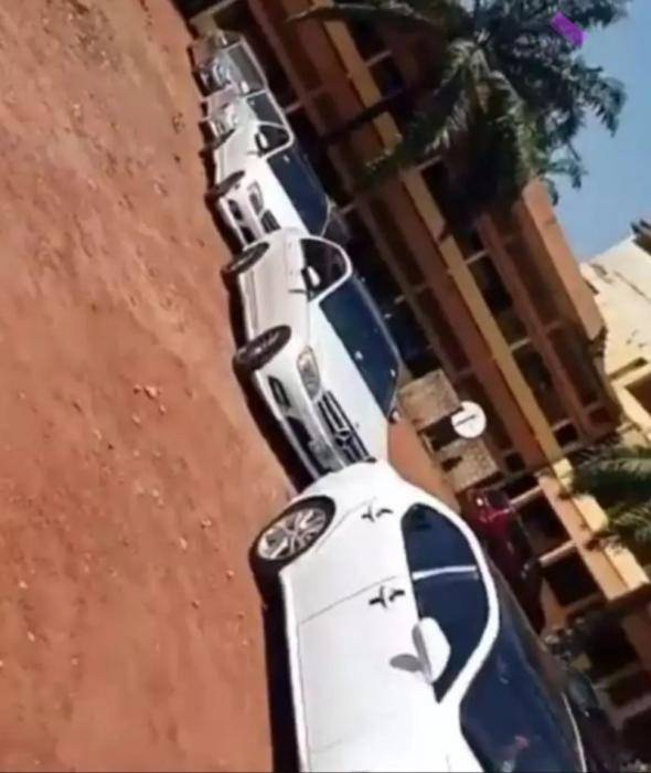 Drama as ESUT students storm school in convoy, block VC's parking space (video)
