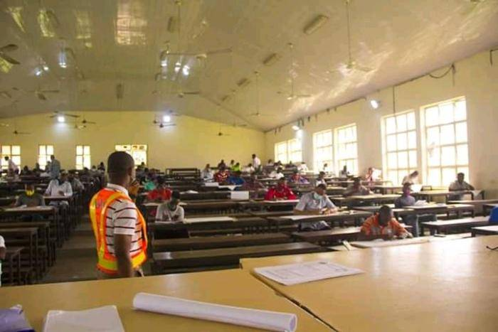 AKSU Examiners Observe Social Distancing in Exam Hall (photo)