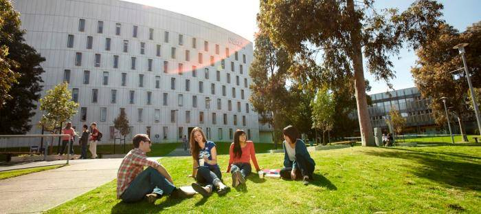 Vice-Chancellor's International Scholarships At Deakin University - Australia 2019