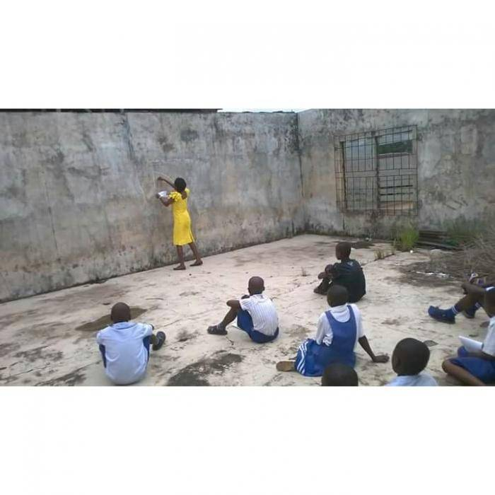 See The Deplorable State Of This Secondary School, Students Sit On The Floor To Learn