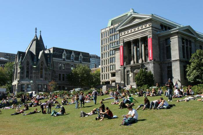 2021 Volunteer Engagement Studies Scholarships at University of Quebec, Canada