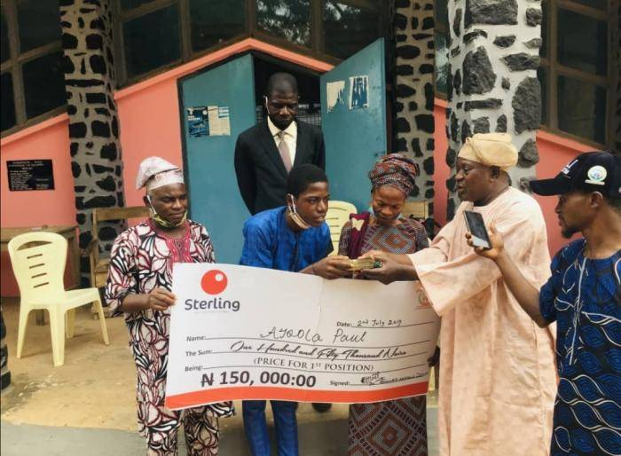 Student wins spelling bee competition in Osun, receives N150,000 cash prize