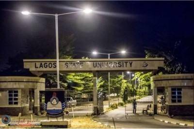 LASU Staff unions protest, deny VC and other staff members access into the university