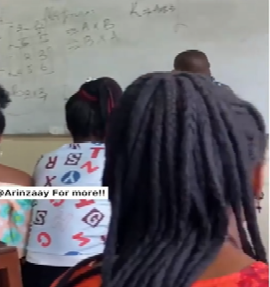 Lecturer gets stuck while solving a mathematics question in class (video)